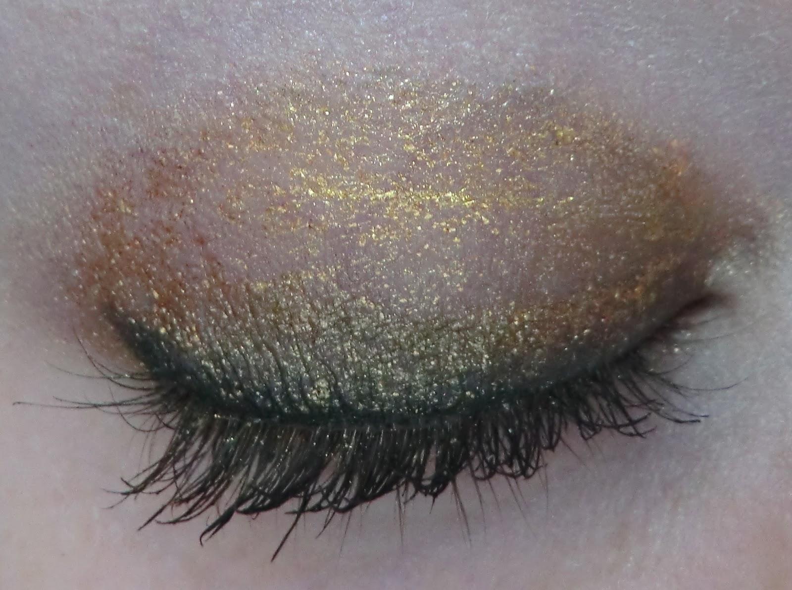 http://lenas-sofa.blogspot.de/2012/12/agnes-b-lidstift-metallic-pures-gold.html
