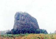 gambar gunung gajah