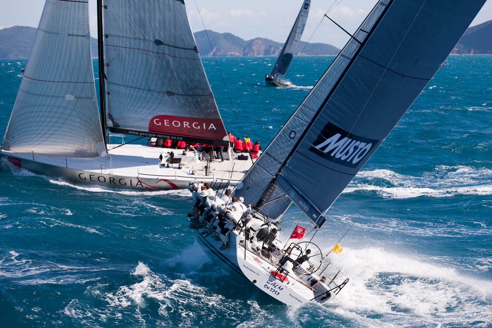 Audi Hamilton Island Race Week : Fast Racing in Perfect Conditions