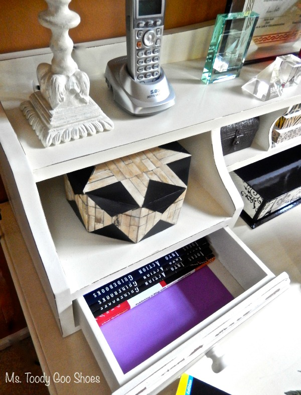 How To Feng Shui Your Desk: Want to improve your chances for prosperity, recognition, career, health and relationships? Just rearrange the stuff on your desk! Ms. Toody Goo Shoes #fengshui