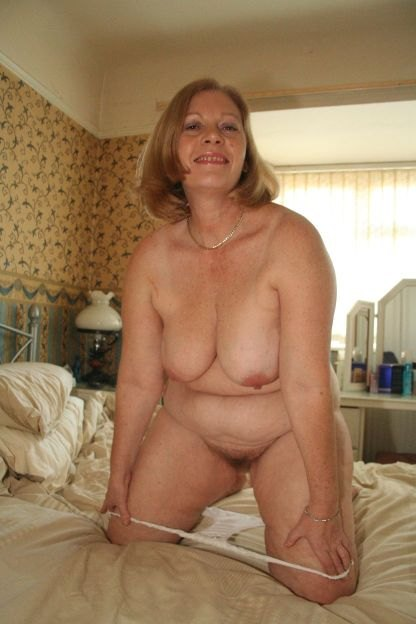Vere Hot Older Mature