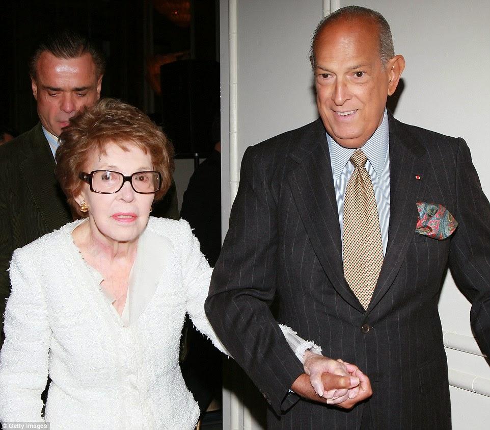 Oscar de la Renta with Nancy Reagan by Getty Images | Ses Rêveries