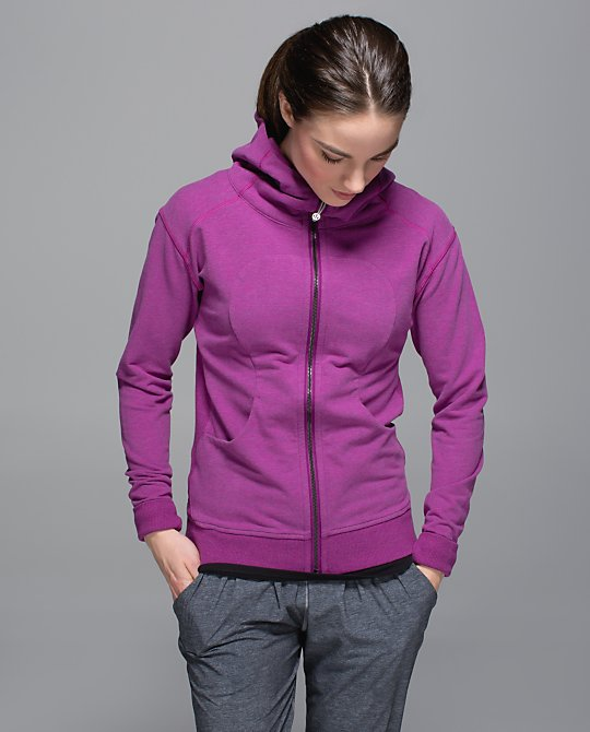 lululemon-ultraviolet-on-the-daily