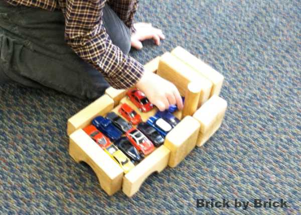 building car boat (Brick by Brick)