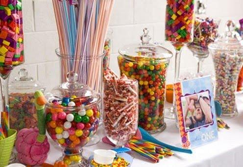 Et voila kids party inspiration - Candyland party table decorations ...