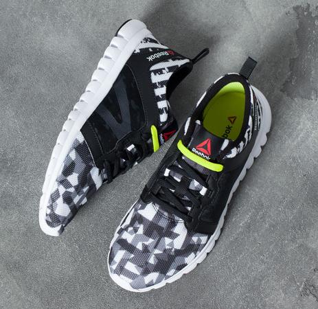 Reebok for Bershka zapatillas deportivas Geométrico