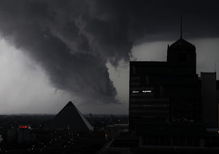 storms pound central U.S.