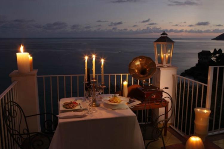 Poemas online a la luz de las velas - Cena romantica con velas ...