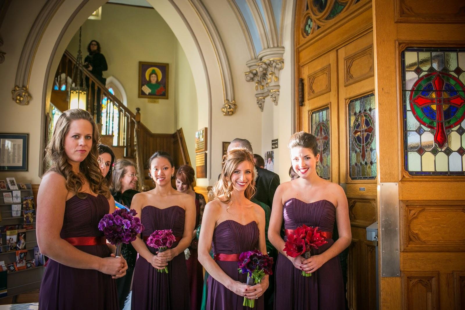 purple sweetpea : purple ranunculas : red amaryllius : purple anemonie : les fleurs