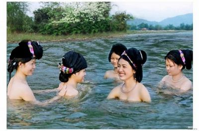 Lên Tây Bắc xem Hot girls dân tộc tắm tiên (Phần 2) 4