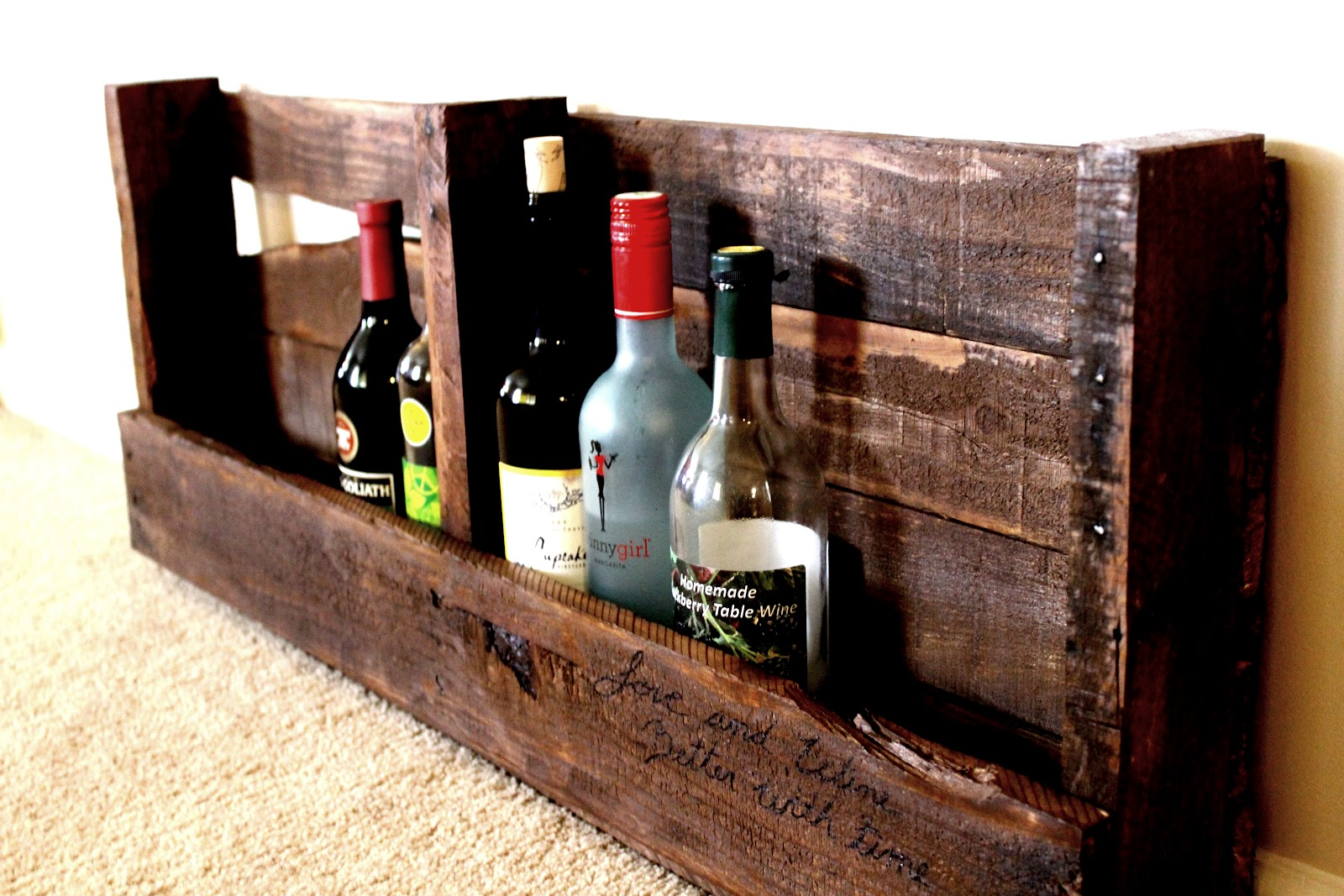 life with hope diy pallet wine rack. Black Bedroom Furniture Sets. Home Design Ideas