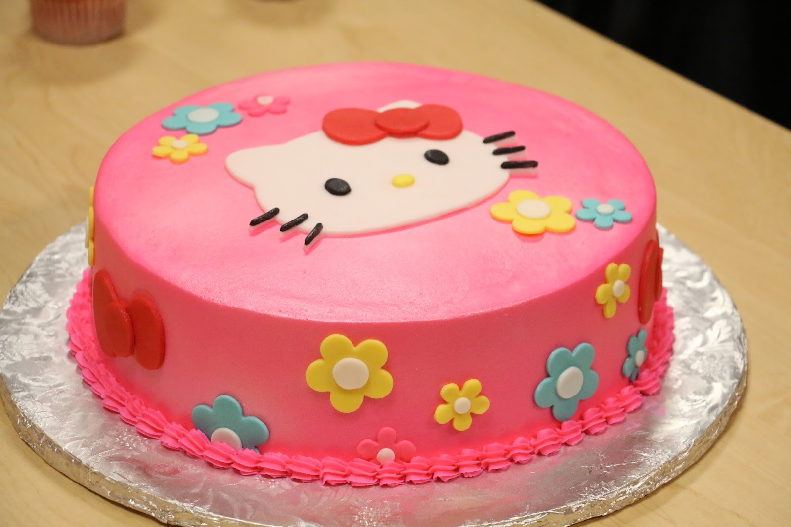 Hello Kitty Cake Cut Out