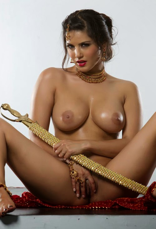 Sunny Leone Porn Wallpapers indianudesi.com