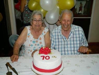 Foto de casal com 70 anos de casamento