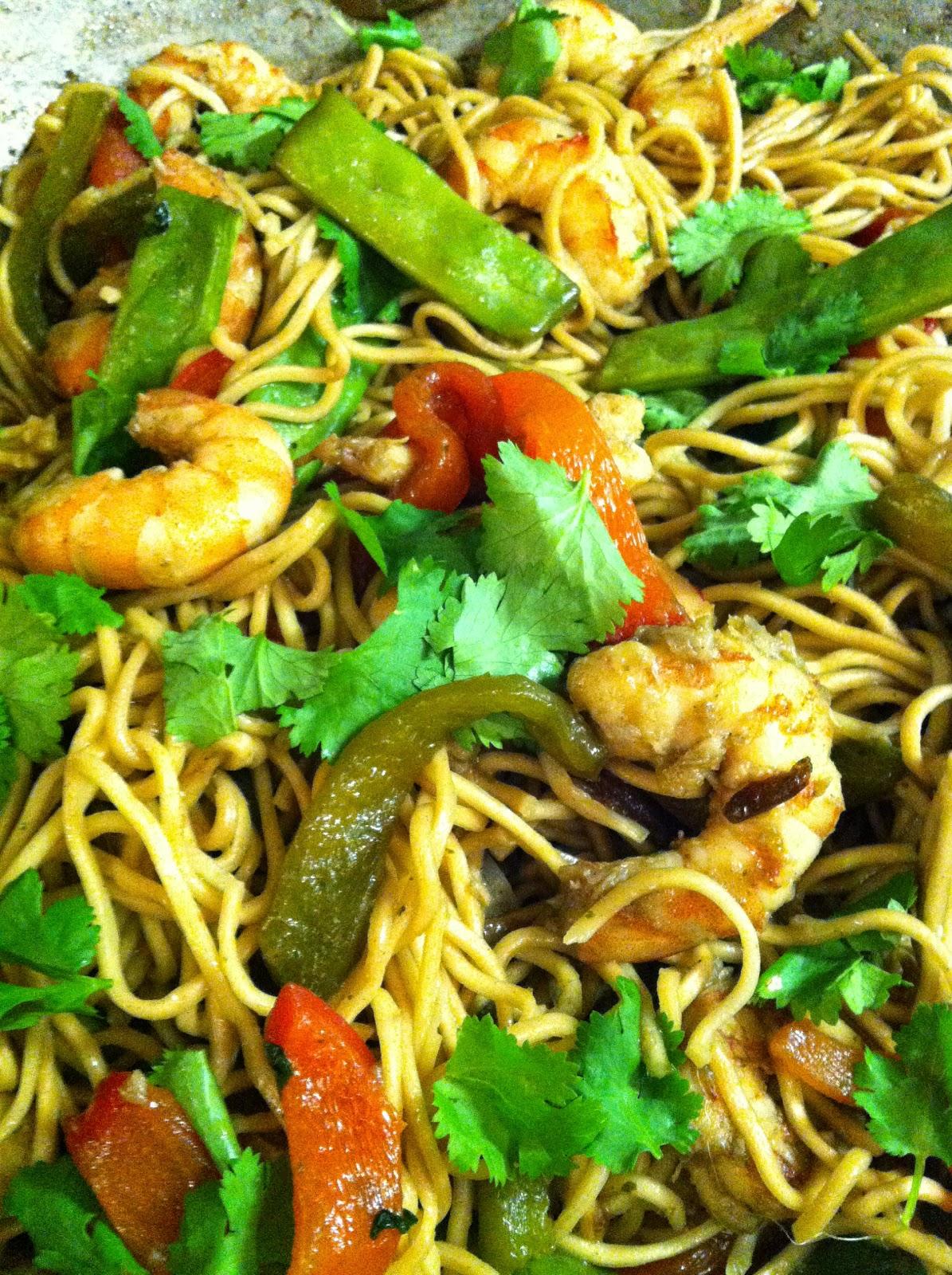 """alt=""""wok de crevettes et nouilles chinoises"""""""