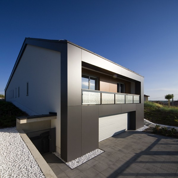 cube House in a Hungarian Town \\ Bauer Polla & ZOA architects - Home ...