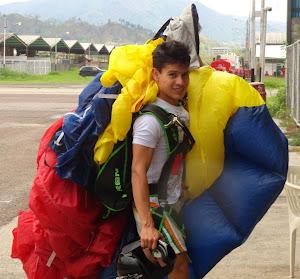 Joan Carlos Torres Mulfari luego de un salto