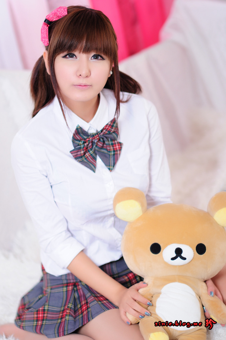 Ryu Ji Hye Korean Cute Model Grey and Red School Girl Part 2 Photo 7