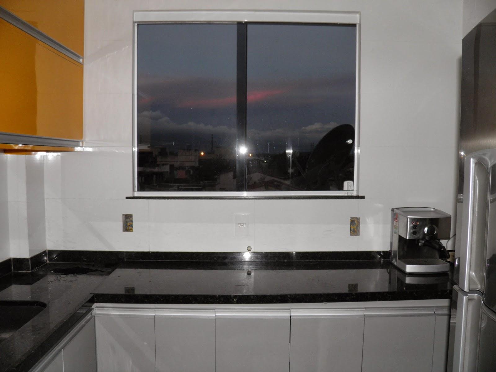 um sonho com cimento de amor!: O armário da cozinha com os eletros #8D6028 1600 1200