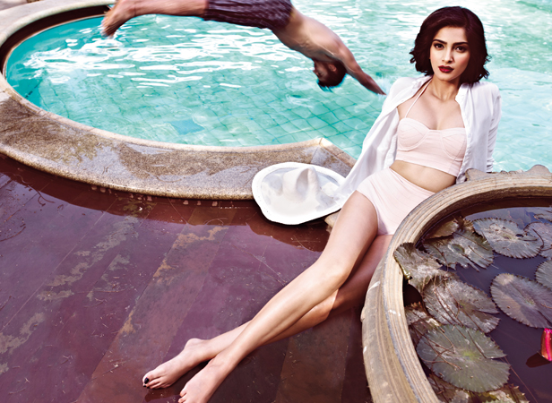 sonam kapoor bikini photo