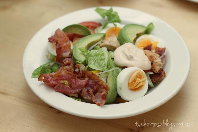 lavkarbo middagstips cobb salat