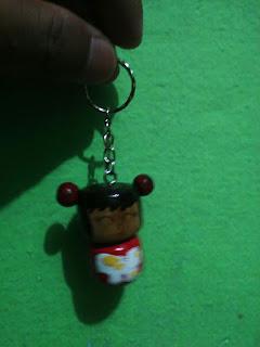 souvenir gantungan kunci boneka kayu lucu