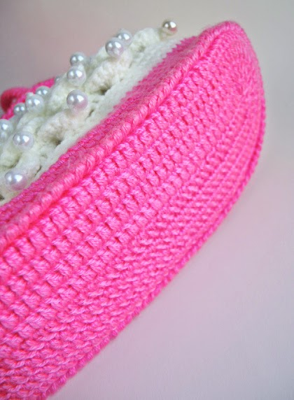 сумка связанная крючком детская с бусинами розовая пряжа акрил