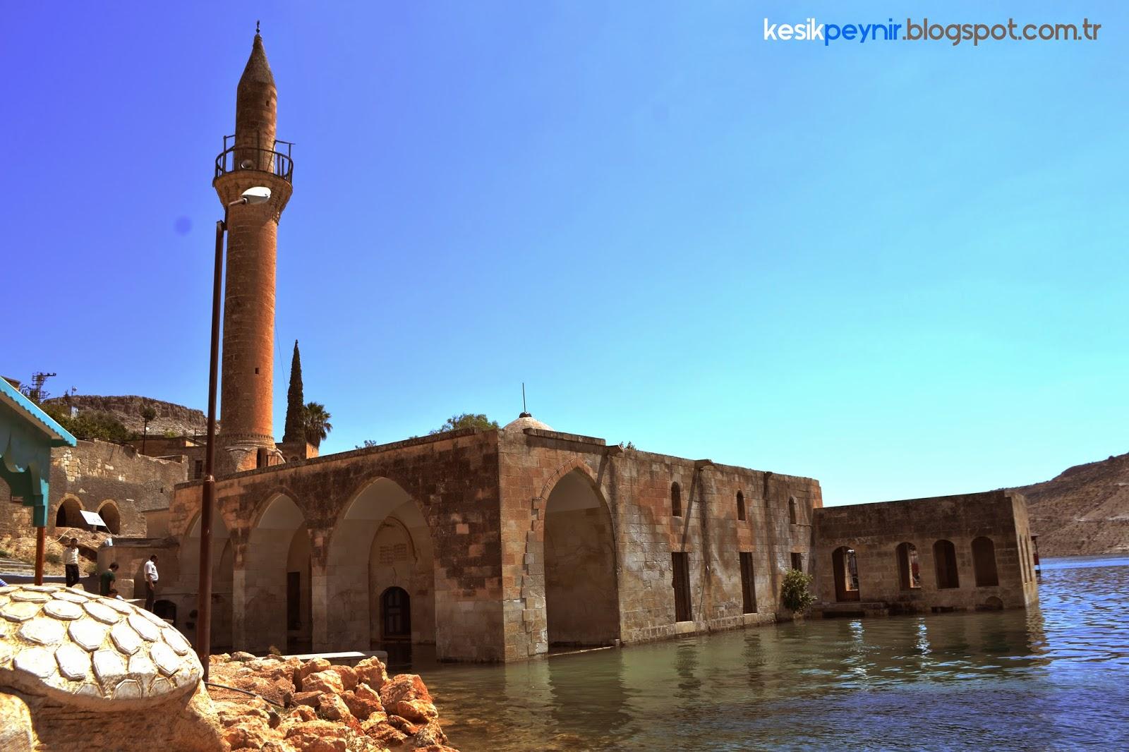 Halfeti Su Altındaki Cami