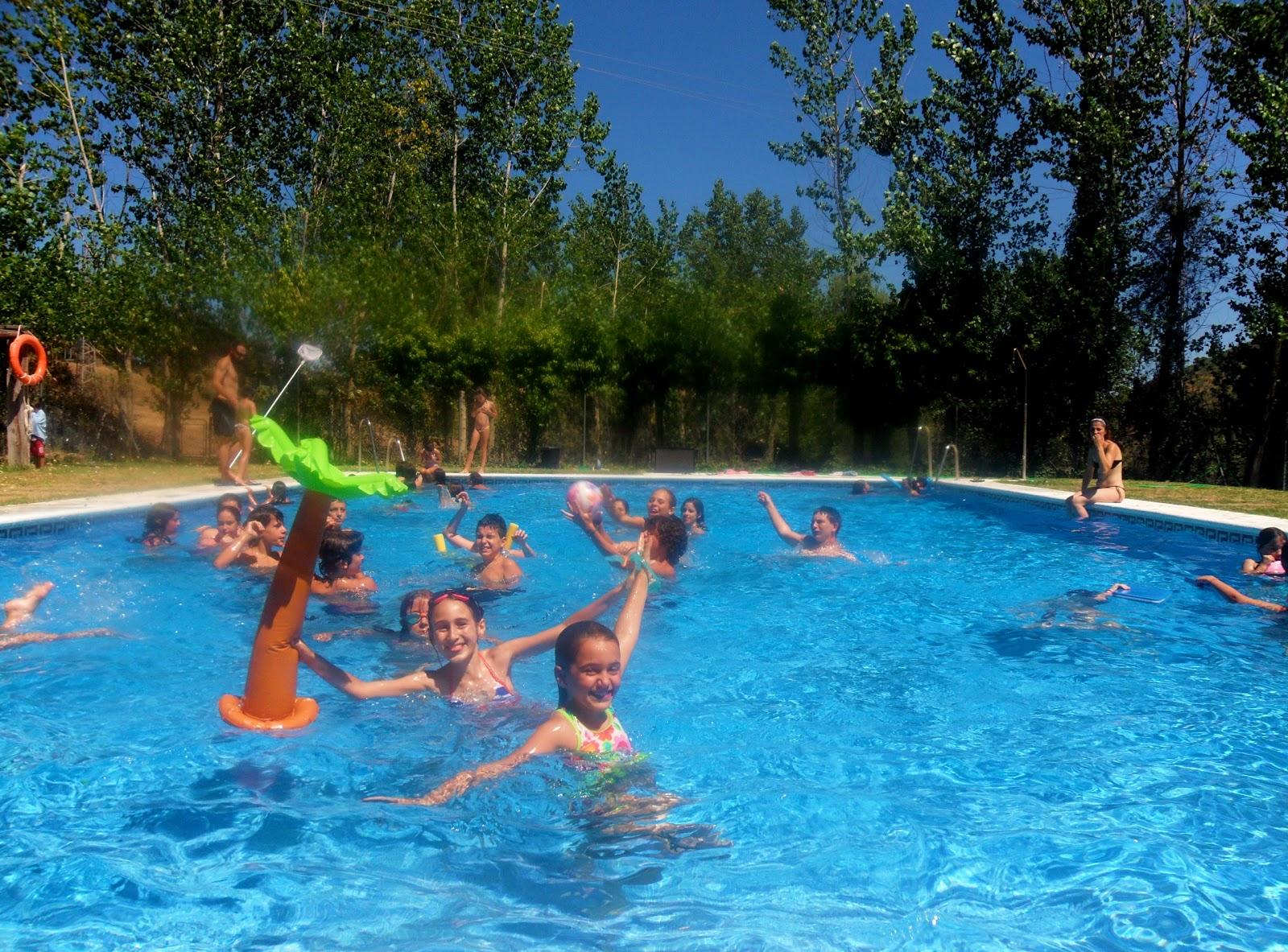 Centro de naturaleza el remolino disfrutando de la piscina for En la piscina