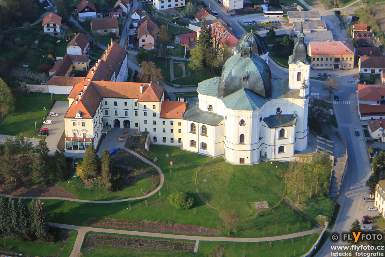 zámek a kostel Křtiny