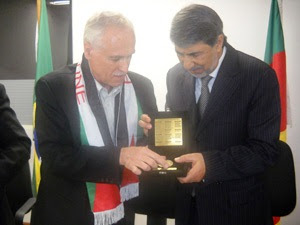 Deputado Raul Carrion presta homenagem ao Embaixador palestino