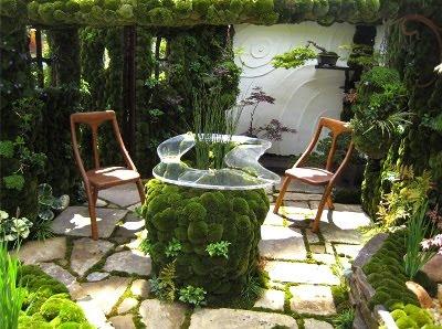 ideas decoracion de jardines pequeños -  patio terraza verde musgo