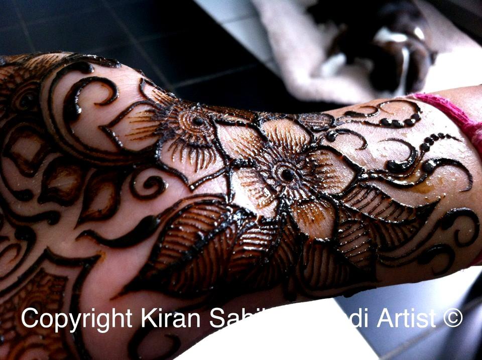 Simple Eid Mehndi Designs 2013 : Best eid mehndi design with creative gray accent domseksa