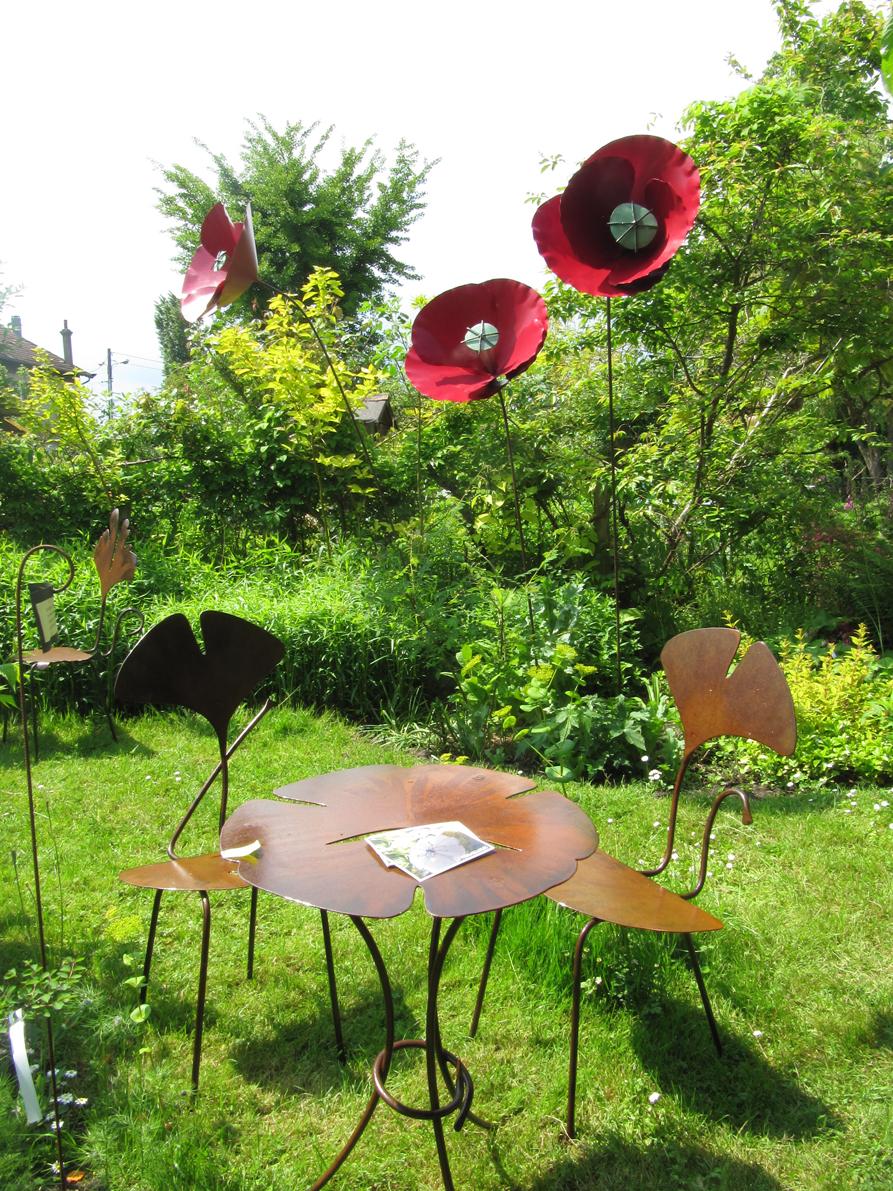 paradis express: Claire dans le jardin de Monique Petit