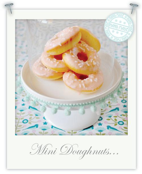 Mini doughnuts for my Winter Wonderland dessert table