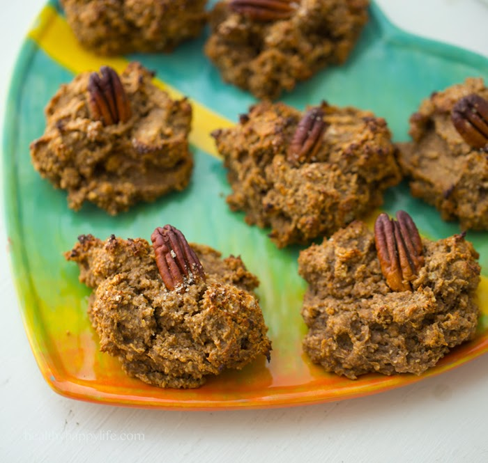 Cozy Pecan Pie Oatmeal Cookies. Gluten Free. No Sugar Added.
