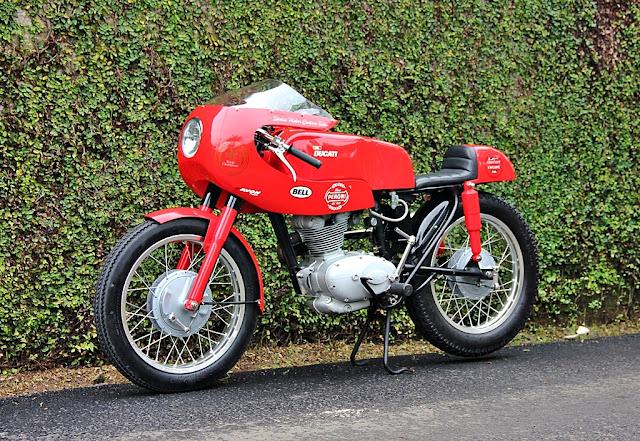 Ici on balance les Monos Ducati - Page 7 DUCATI-125-SPORT-12