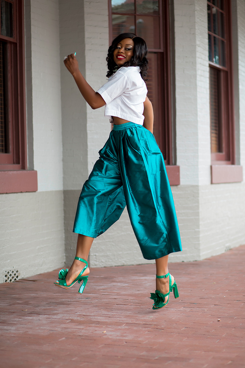 Culottes, crop top, delpozo sandals
