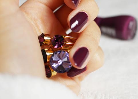Premiera jesieni - fioletowe paznokcie, the gel Essence 52 amazed by you