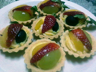 Fruits Tart Type A (Strawberry, Peach & Grape)