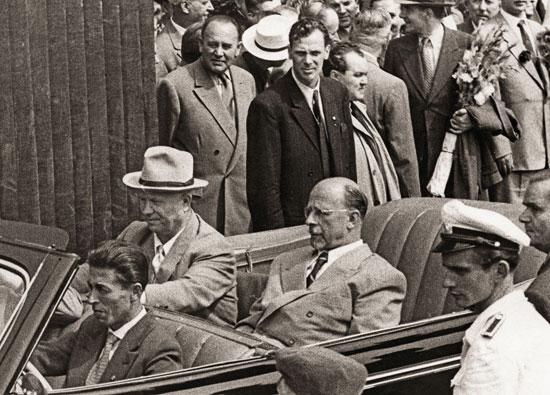 Nikita chruschtschow bei seinem besuch 1958 in ostberlin mit walter