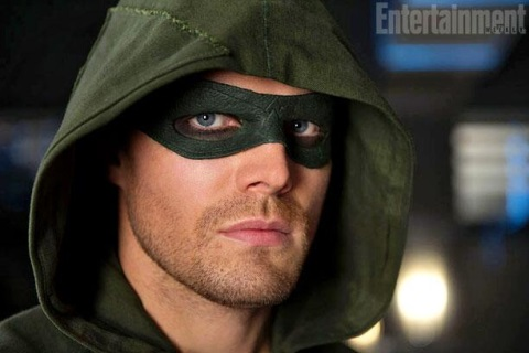 OLIVER QUEEN (STEPHEN AMELL)