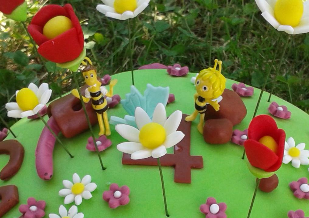 El dulce jard n de carol tarta la pradera de la abeja for Piedrecillas para jardin