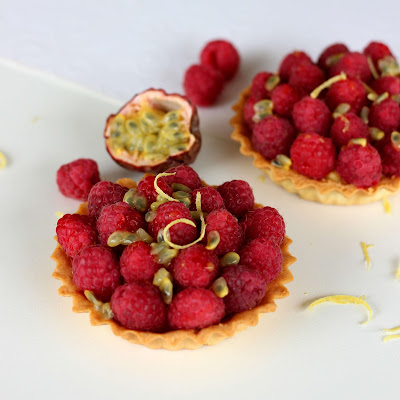 illustration 2 tartelettes framboises (citron & passion)