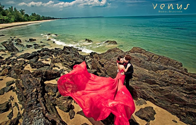 with rocks red dress