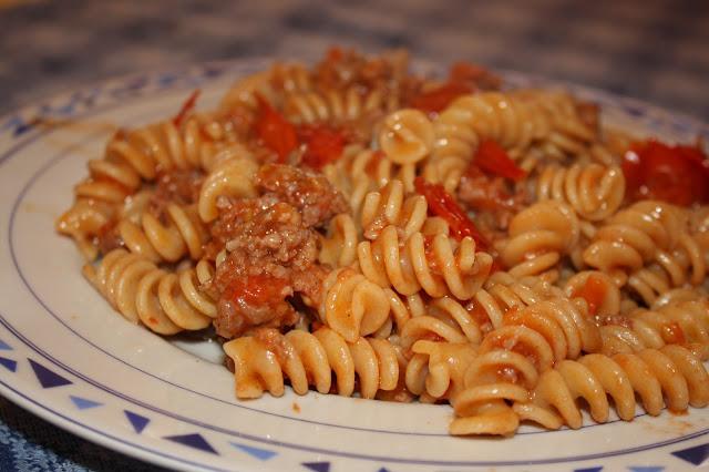 pasta kamut con salsiccia e pomodorini