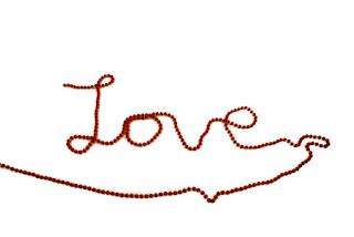 4 Alasan Pria Malas Bilang I Love You