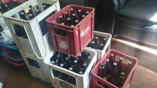 Potosí: Intendencia incauta cajas de cerveza en discoteca a la asistian  adolescentes. - El Policial Bolivia