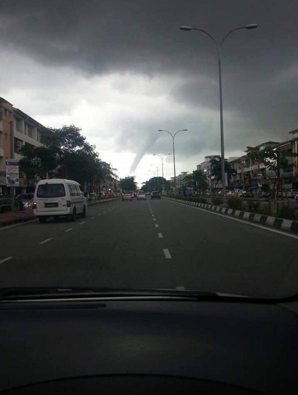 Puting Beliung di Pulau Pinang Sebenarnya Adalah Belalai Air