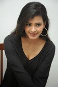 Hebah Patel glam pics in black top-thumbnail-2